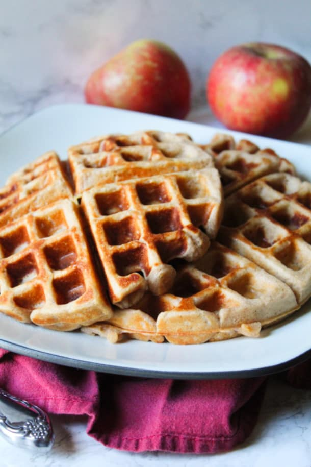 Apple Cinnamon Waffles (gluten-free, refined sugar-free, made with Greek yogurt)